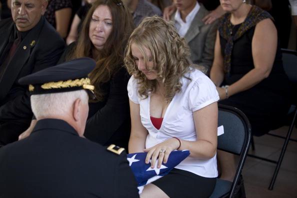 Rick Scibelli「Soldier Killed In Action Remembered In New Mexico」:写真・画像(1)[壁紙.com]