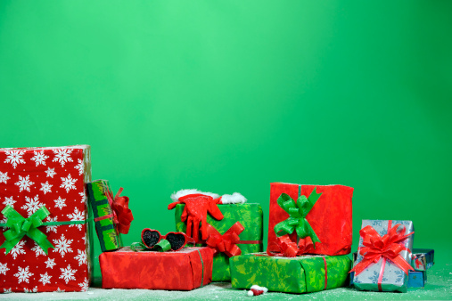 Receiving「x-mas gifts on green background」:スマホ壁紙(3)