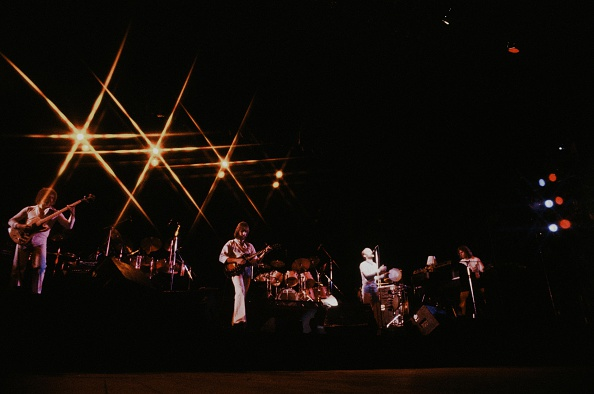 Hammersmith「Genesis Live At Hammersmith Odeon In London」:写真・画像(16)[壁紙.com]