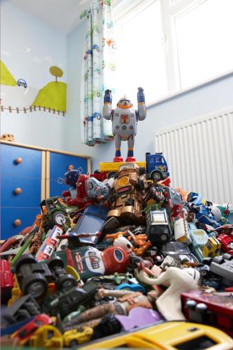 豊富「おもちゃのロボットの山での ro」:スマホ壁紙(15)