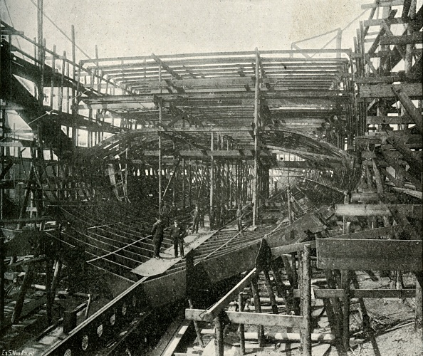 Ship「The Building Of A War-Ship A First-Class Cruiser In Progress At The Thames Ironworks」:写真・画像(17)[壁紙.com]