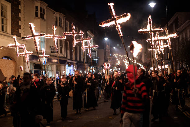 Annual Bonfire Night Celebrations Take Place In Lewes:ニュース(壁紙.com)