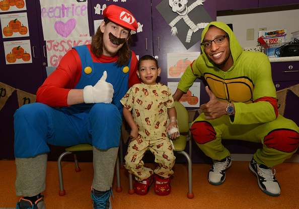 Evan Turner「Boston Celtics Celebrate Halloween With Boston Children's Hospital」:写真・画像(3)[壁紙.com]