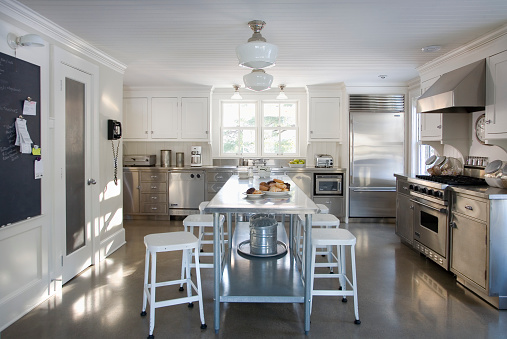Kitchen「White and Stainless Steel Kitchen with Cement Floor」:スマホ壁紙(17)