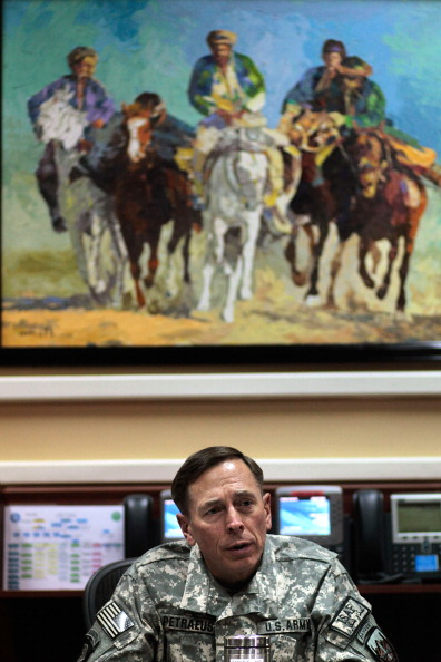 Kabul「General Petraeus Leads ISAF At His Office In Kabul」:写真・画像(6)[壁紙.com]