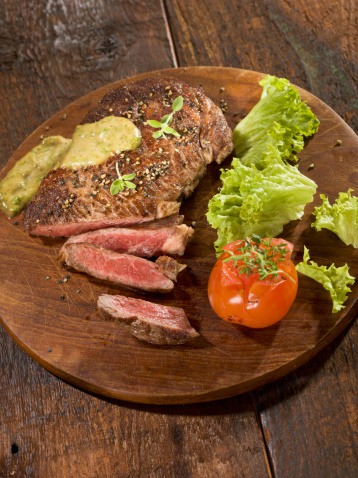 Herb Sauce「Grilled rib eye steak with herb sauce on wood plate」:スマホ壁紙(17)