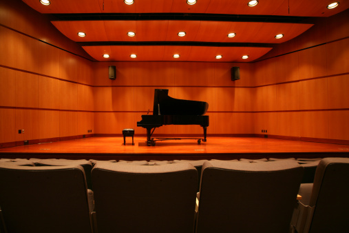 Concert Hall「Piano sitting in the middle of the stage in an auditorium」:スマホ壁紙(10)