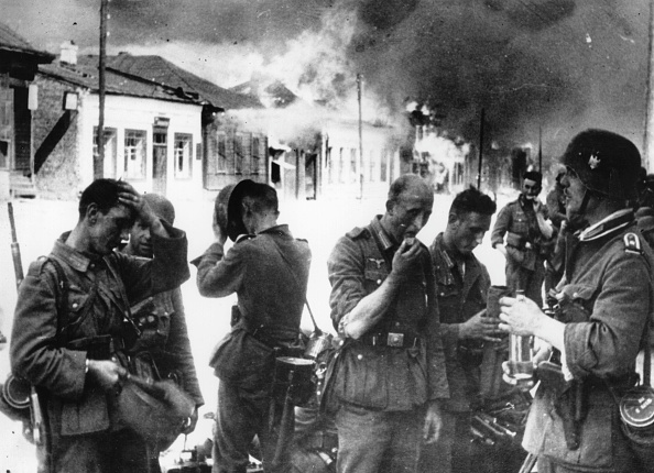 Moving Toward「German Troops」:写真・画像(3)[壁紙.com]