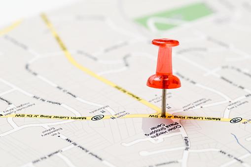 City Map「A red push pin stuck in a street map」:スマホ壁紙(18)