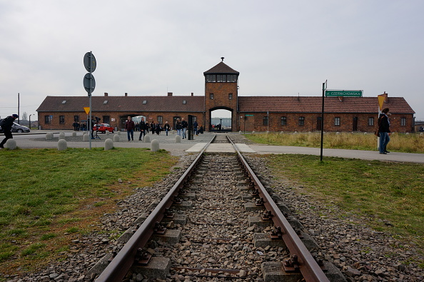 Entrance「Auschwitz-Birkenau Memorial And Museum」:写真・画像(11)[壁紙.com]