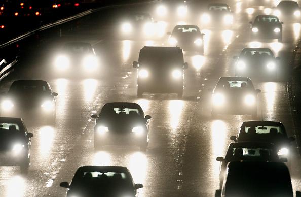 Traffic「Traffic Jams As Commuters Head For The Christmas Break」:写真・画像(0)[壁紙.com]