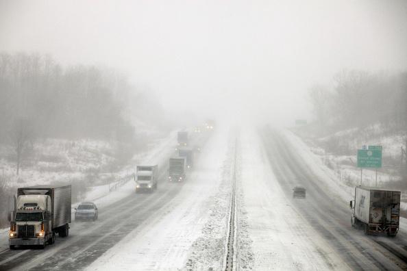 雪「Midwest Braces For Major Snow Storm」:写真・画像(3)[壁紙.com]