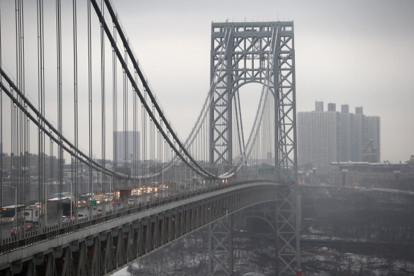 Traffic「Senate Chairman Of Transportation Committee Calls For Investigation Into George Washington Bridge Lane Closures」:写真・画像(12)[壁紙.com]
