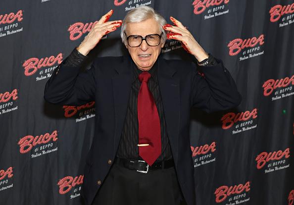 Tomato Sauce「The Amazing Kreskin Visits Buca di Beppo Times Square」:写真・画像(18)[壁紙.com]
