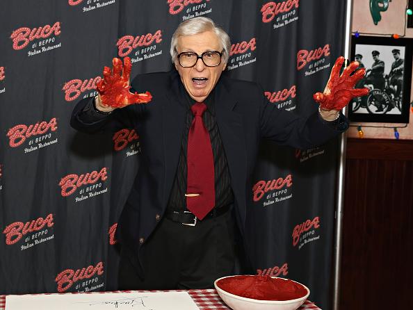 Tomato Sauce「The Amazing Kreskin Visits Buca di Beppo Times Square」:写真・画像(17)[壁紙.com]