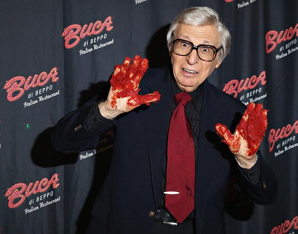 Tomato Sauce「The Amazing Kreskin Visits Buca di Beppo Times Square」:写真・画像(0)[壁紙.com]