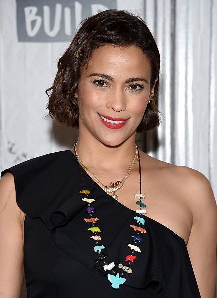 Looking At Camera「Build Presents Paula Patton Discussing 'Somewhere Between' And Her New Film 'Traffik'」:写真・画像(4)[壁紙.com]