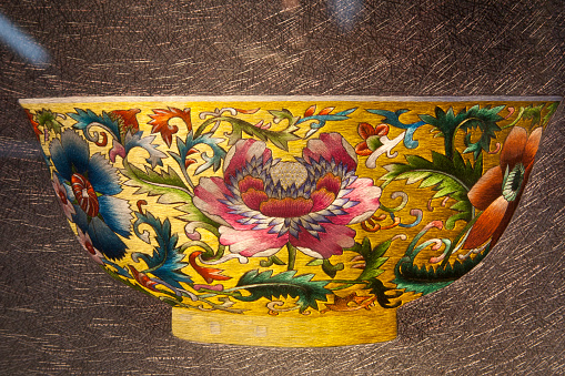 Embroidery「Chinese silk embroidery depicting a colourful decorative bowl」:スマホ壁紙(16)