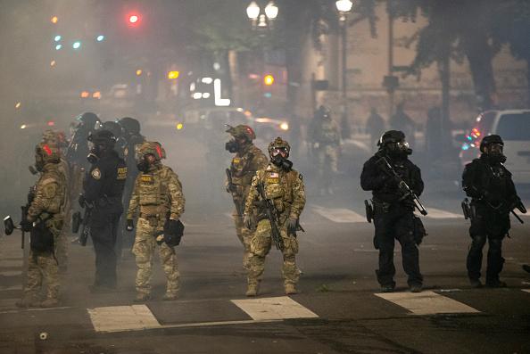 Oregon - US State「Feds Attempt To Intervene After Weeks Of Violent Protests In Portland」:写真・画像(12)[壁紙.com]