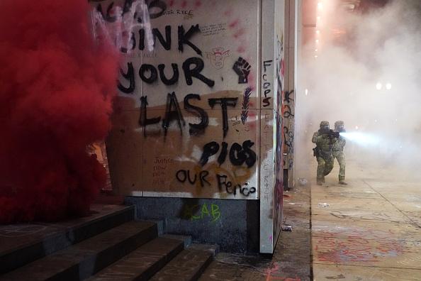 Oregon - US State「Feds Attempt To Intervene After Weeks Of Violent Protests In Portland」:写真・画像(10)[壁紙.com]