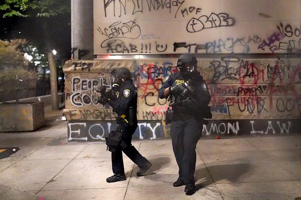 Oregon - US State「Feds Attempt To Intervene After Weeks Of Violent Protests In Portland」:写真・画像(15)[壁紙.com]