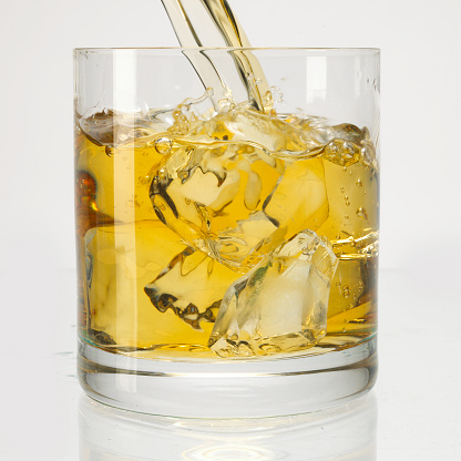 ウィスキー「Whisky pour」:スマホ壁紙(11)