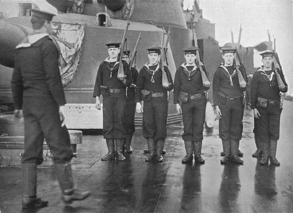 Sailor「Rifle Drill On Board A British Battleship 1915」:写真・画像(6)[壁紙.com]