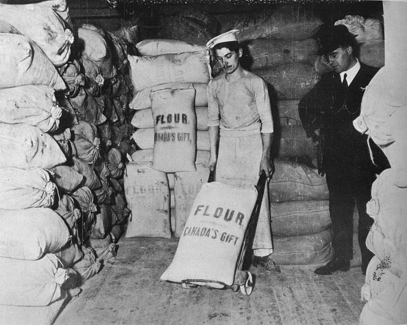 Sack「Part Of Canadas Gift Of Flour Of The Relief Of War Distress In England 1915」:写真・画像(5)[壁紙.com]