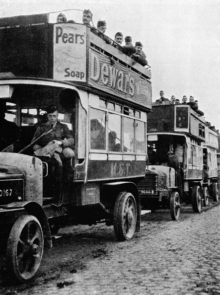 Double-Decker Bus「British Troops Being Moved To A Fresh Part Of The Line By Motor Buses 1915」:写真・画像(15)[壁紙.com]