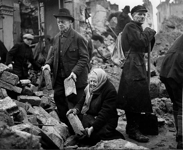 Volunteer「Rebuilding City」:写真・画像(11)[壁紙.com]