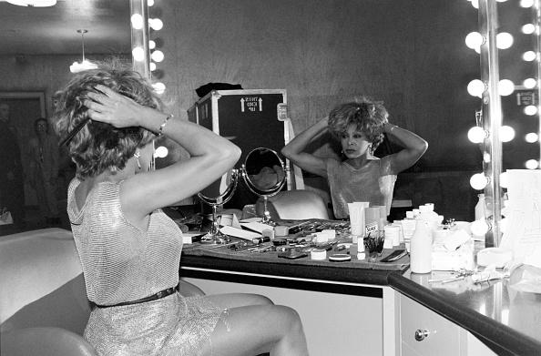 銀色のドレス「Tina Turner In New York」:写真・画像(16)[壁紙.com]
