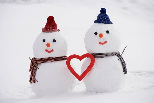 Snowman couple with heart shape, Yamagata Prefecture, Japan:スマホ壁紙(壁紙.com)
