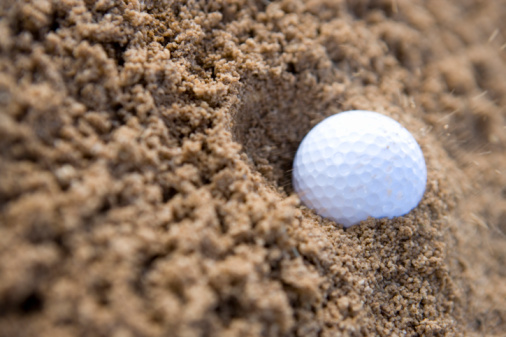 Sand Trap「Close Up Image of Golf Ball in Bunker」:スマホ壁紙(3)