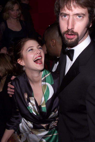 Charlie's Angels「Drew Barrymore And Tom Green At The Premiere Party For 'Charlie's Angels'」:写真・画像(1)[壁紙.com]