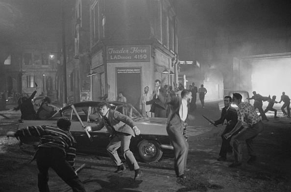 Racial Tensions「Absolute Beginners Riot Scene」:写真・画像(2)[壁紙.com]