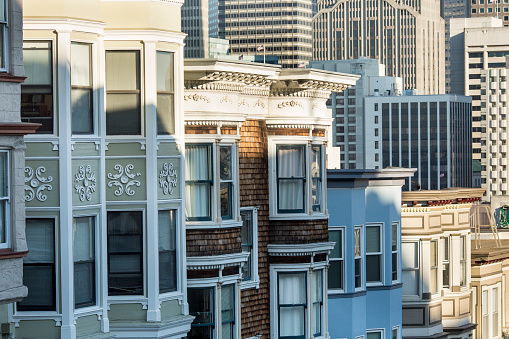 19th Century「Victorian style homes in San Francisco cityscape, California, United States」:スマホ壁紙(8)