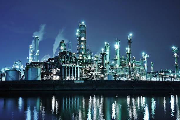 Oil refinery at night:スマホ壁紙(壁紙.com)
