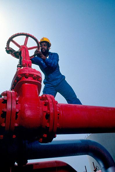 Wheel「Oil refinery. Saudi Arabia.」:写真・画像(12)[壁紙.com]