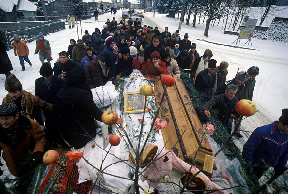 Romano Cagnoni「Funeral In Predeal」:写真・画像(3)[壁紙.com]