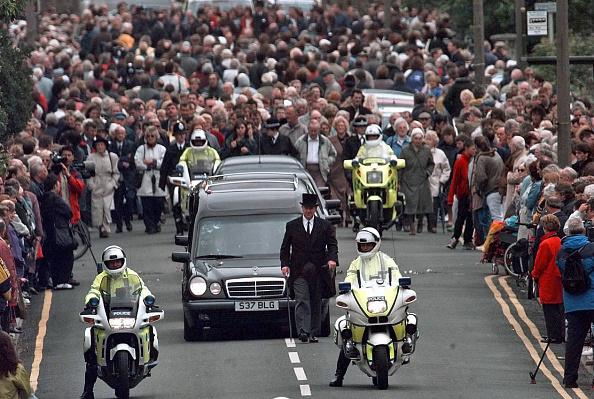 Weston-super-Mare「Jill Dando Funeral」:写真・画像(15)[壁紙.com]