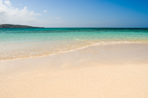 Water's Edge「Tropical beach, Prickly Pear islet, Antigua, Caribbean」:スマホ壁紙(16)