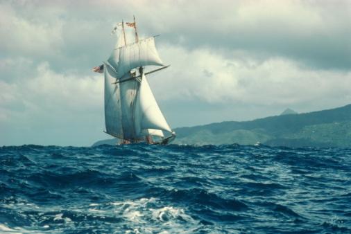 St「Sailboat in rough seas, St. Lucia, Carribean」:スマホ壁紙(17)