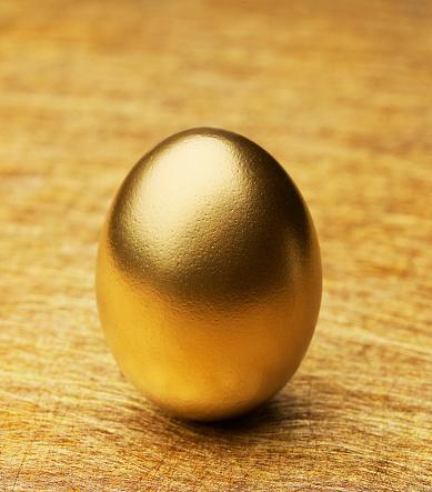 イースター「Single Golden Egg」:スマホ壁紙(17)