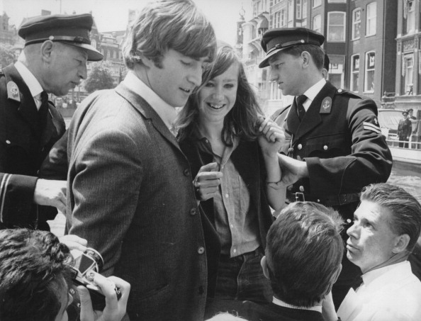 Netherlands「The English Musician John Lennon And The Other Members Of Beatles Made A Round-Trip Through The Amsterdam Canals. However There Were Many Police-Men One Very Enthousiastic Beatles-Fan Climbed Into The Boat. Amsterdam. 6Th June 1964. Photograph.」:写真・画像(16)[壁紙.com]
