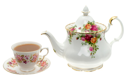 Floral Pattern「Vintage bone China teapot with a cup of tea.」:スマホ壁紙(9)