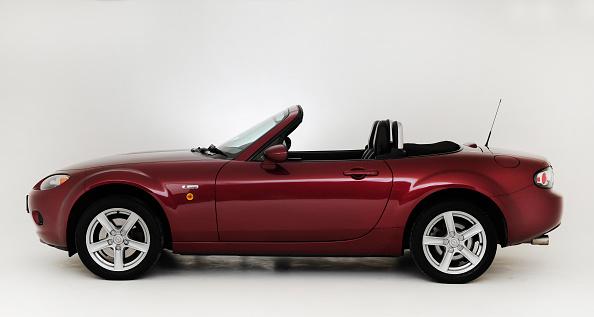 Mazda「2007 Mazda MX5」:写真・画像(10)[壁紙.com]