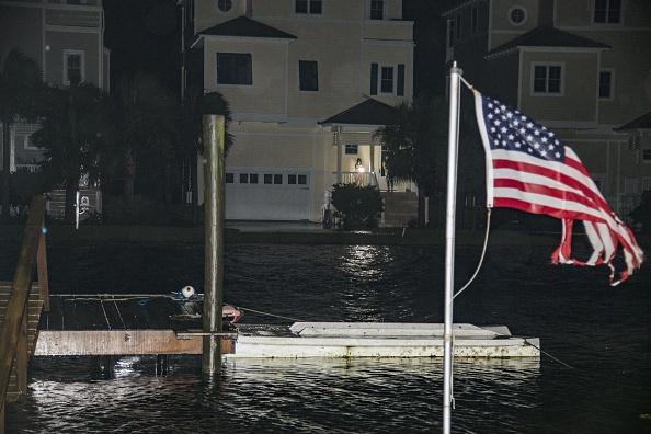 Mark Wallheiser「Hurricane Hermine Bears Down On Florida's Gulf Coast」:写真・画像(15)[壁紙.com]