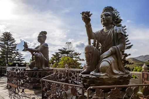仏像「Buddhist Statues at Tian Tan Buddha, Ngong Ping, Hong Kong, China」:スマホ壁紙(16)