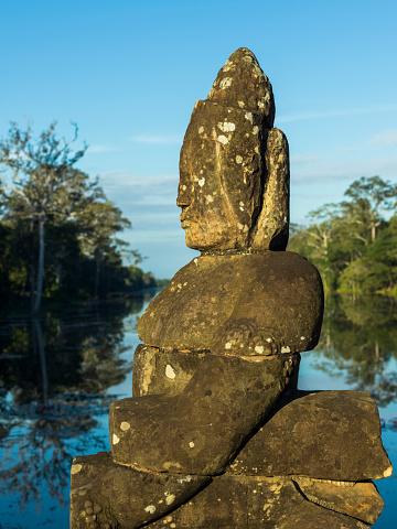 仏像「Buddhist statue, South Gate, Angkor Thom」:スマホ壁紙(13)