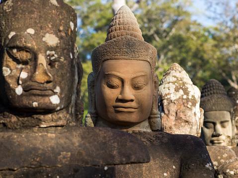 仏像「Buddhist statues, South Gate, Angkor Thom」:スマホ壁紙(15)